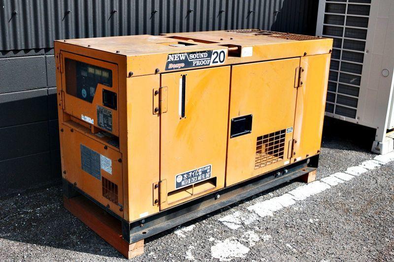 画像1: デンヨー ディーゼルエンジン動力発電機 DCA-20SPK2 買取しました。 (1)