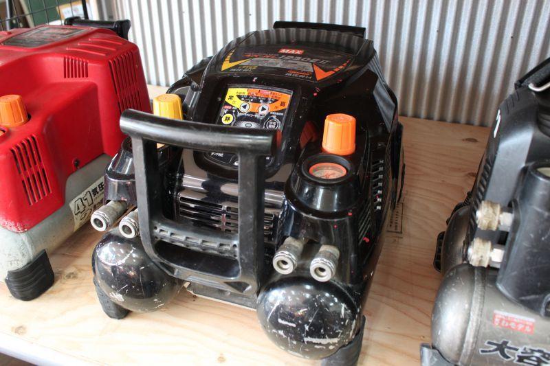 画像1: 中古 マックス エアコンプレッサー AK-HL1230EII 買取させていただきました。 (1)
