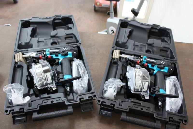 画像1: 新品 マキタ 50mm高圧釘打機 AN534HM 2台 買取させていただきました。 (1)