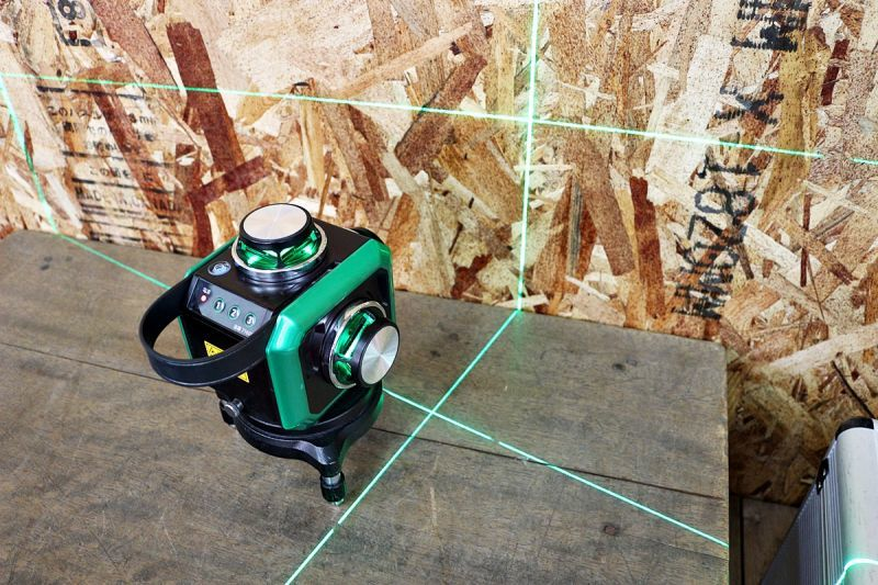 画像1: 中古 シンワ レーザー墨出し器 レーザーロボ Xline グリーン 買取させていただきました。 (1)