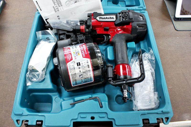 画像1: 本日の買取分!マキタ 90mm高圧釘打機 AN935H 買取させていただきました。 (1)