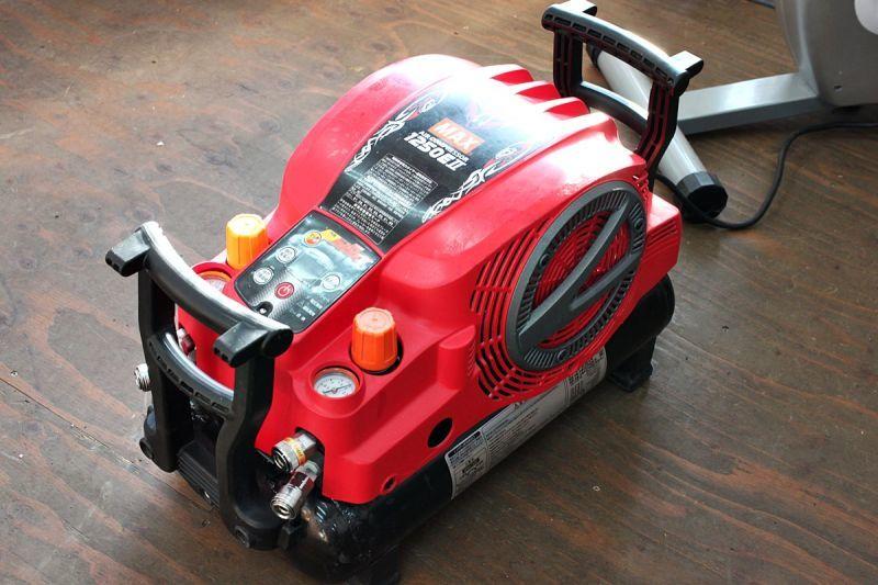 画像1: 人気商品 マックス エアコンプレッサー AK-HL1250E2 買取させていただきました。 (1)