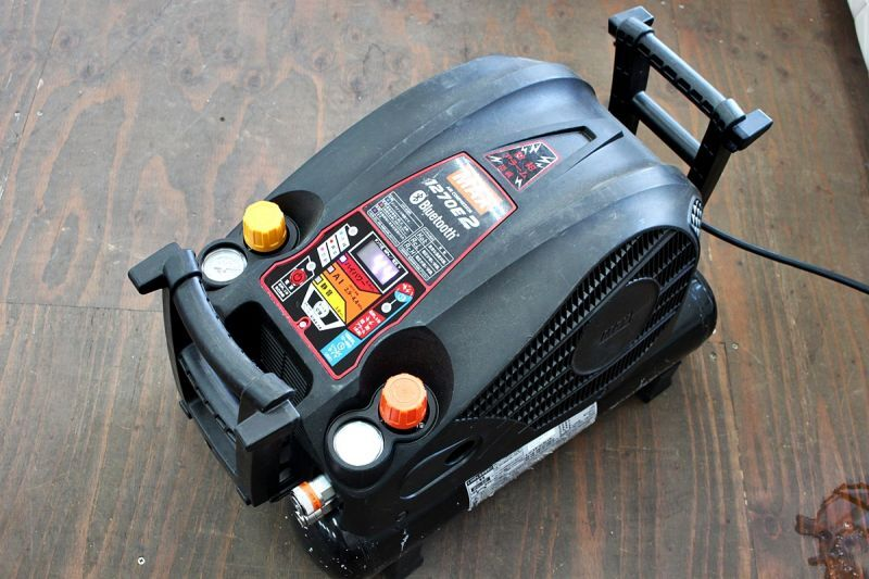 画像1: 中古買取 マックス エアコンプレッサ AK-HL1270E2 買取させていただきました。ツールヤード岡山 (1)